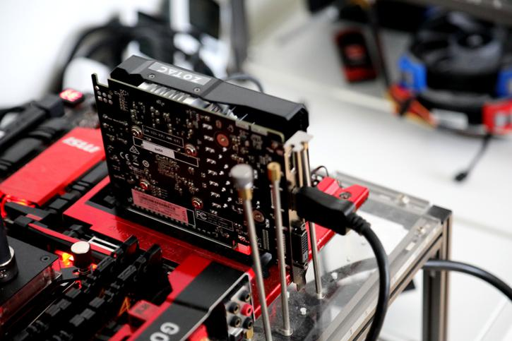 how to connect power msi geforce 1050 ti