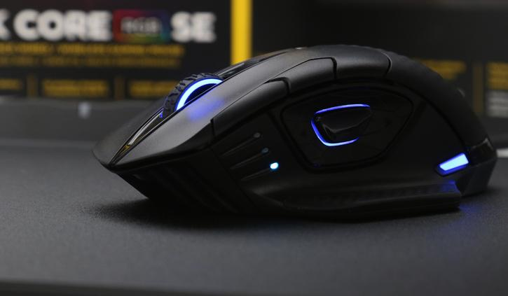 Corsair Dark Core RGB SE mouse and MM1000 Qi review