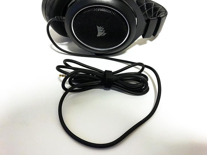 Corsair HS60 Headset review - Unboxing + Contents