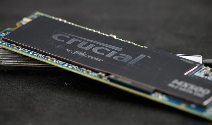 Crucial MX500 1TB M 2  SSD review - Installation