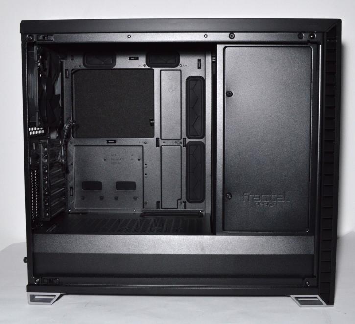 Обзор Fractal Design Vector RS - Витрина продукта - Сборка