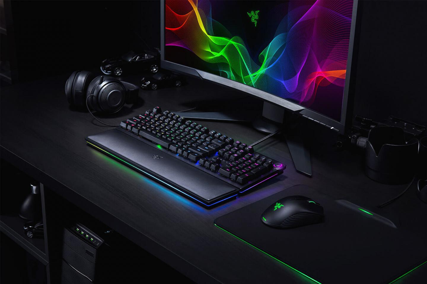 Razer Huntsman keyboard delivers gaming performance with new