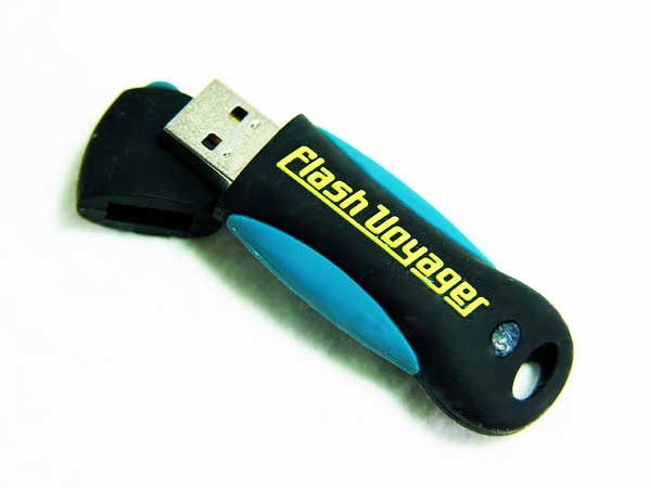 Corsair Voyager 32 GB USB Flash Stick