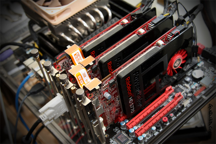 PowerColor R5570 Single Slot in 3-way CrossfireX