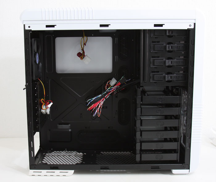 Cooler Master 690 II Advanced B and W